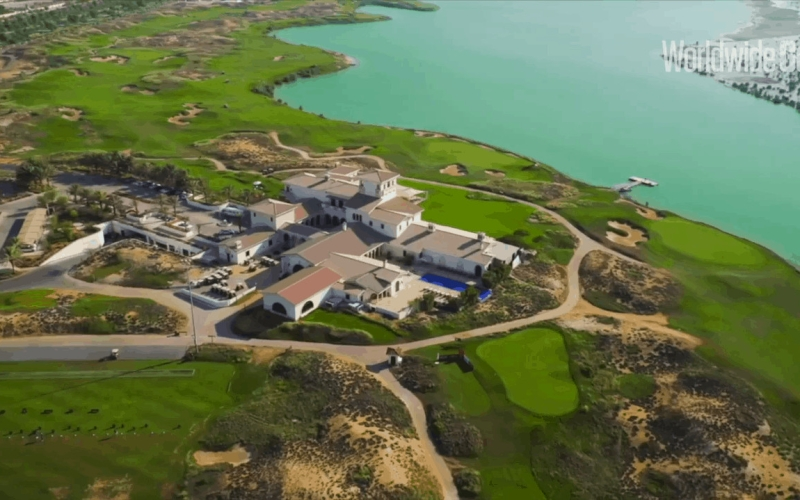 Celebrities and golfers rave about Yas Links Golf Club