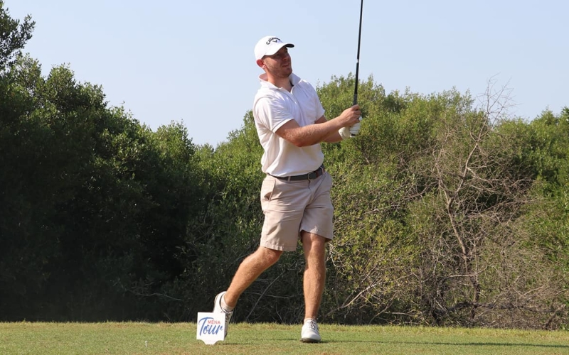 Scott Henry surges to one-shot lead at the RAK Open