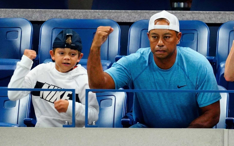 Tiger's son demolishes field in Florida
