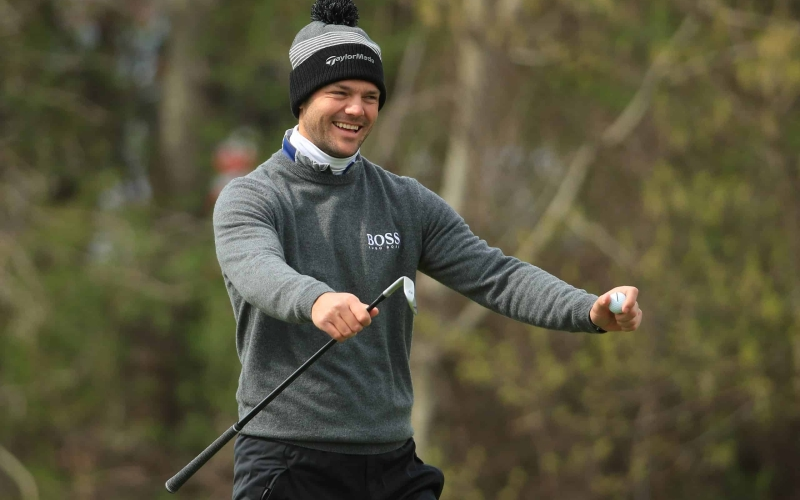 Kaymer in touching distance of first victory in seven years