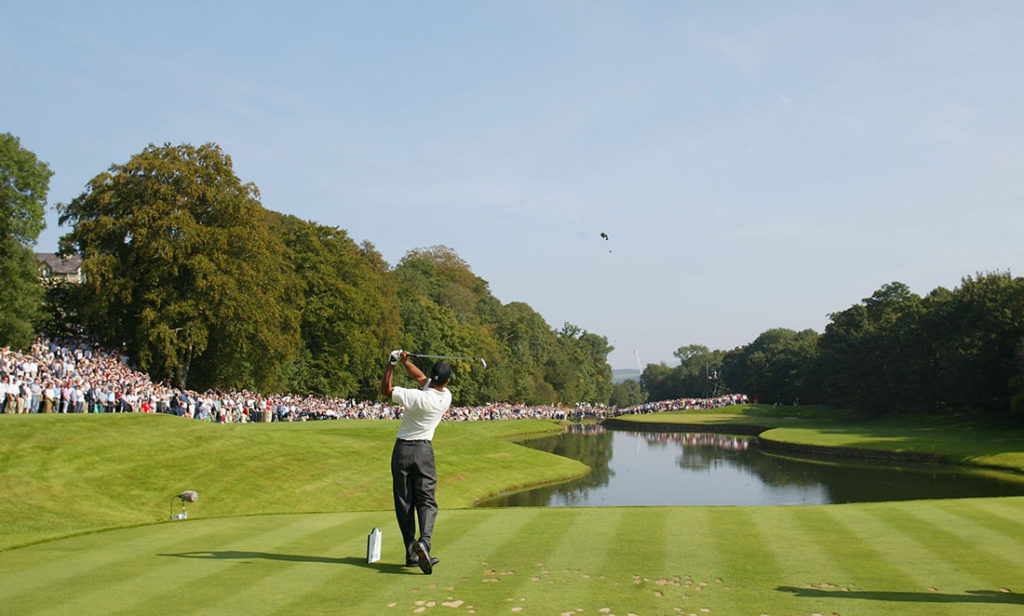 THOMASTOWN, IRELAND - SEPTEMBER 21 : Tiger Woods of the United States hits his tee-shot on the third hole during the third round of the American Express Championship at Mount Juliet Golf Club, Kilkenny, Ireland on September 21, 2002. (Photo by Laurence Griffiths/Getty Images)